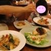 ヤムヤレストランで夕食